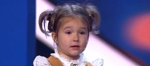 Menina de 4 anos fala 7 idiomas diferentes