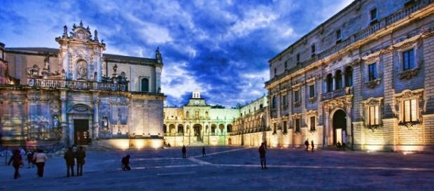 Piazza Duomo nel cuore del centro storico a Lecce.