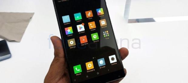 Xiaomi Mi MIX designé par Philippe Starck