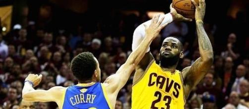 Stephen Curry e LeBron James prometem fazer novos duelos históricos nessa temporada.
