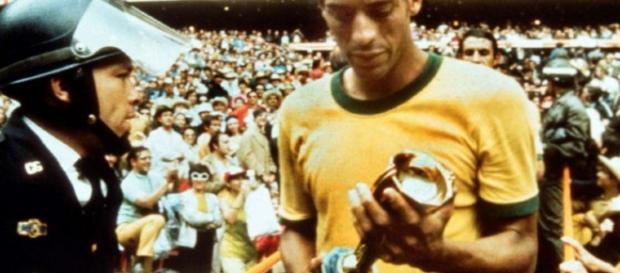 Former Brazil captain Carlos Alberto dies - yahoo.com