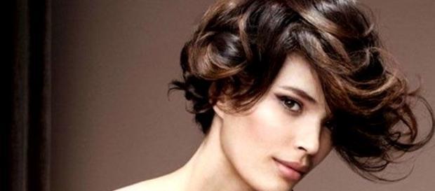 Modelli taglio capelli corti ricci