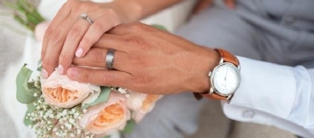 O noivo pediu o divórcio duas horas após ter se casado