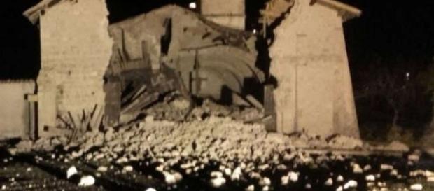 Sciame sismico nel centro Italia: chiesa crollata a Norcia il 26 ottobre 2016