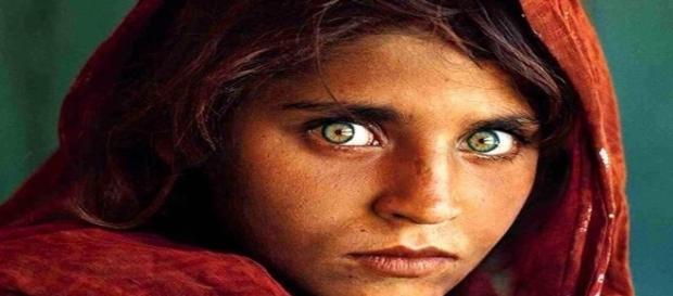 Sharbat Bibi la 'Monna Lisa della guerra afgana'