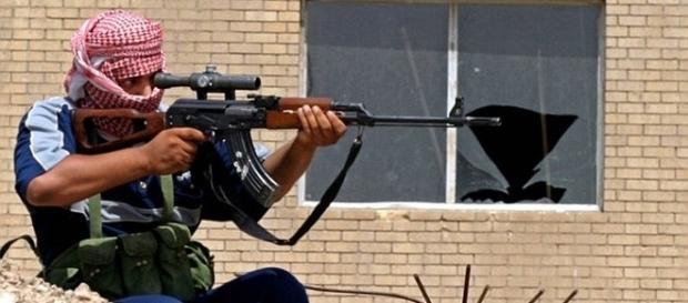 Un lunetis a ucis câțiva militanți ISIS în patru cartiere din Mosul - Foto: REUTERS