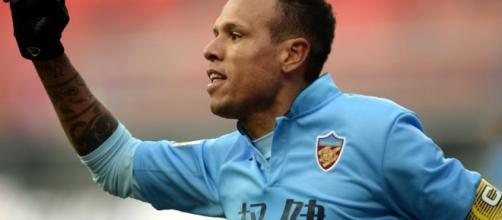 Luís Fabiano está liberado para acertar com outro clube