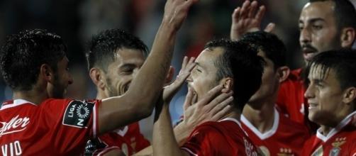 O Benfica procura a sétima vitória seguida no campeonato português
