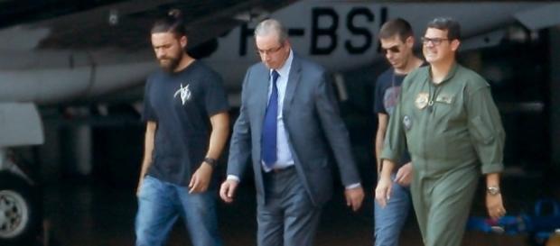 """Agente da PF conhecido como """"Lenhador da Federal"""" transforma-se no novo personagem do fait divers na imprensa brasileira"""
