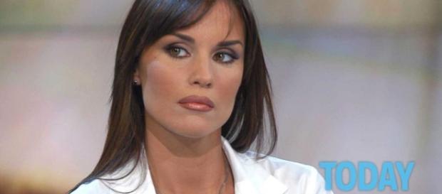 Antonella Mosetti si sposerà con il fidanzato Gennaro Salerno.
