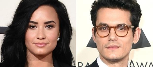 Demi Lovato e John Mayer são vistos juntos em clima de romance.