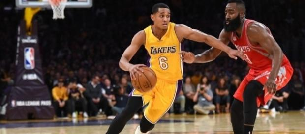 Foi o primeiro jogo do Los Angeles Lakers após a aposentadoria de Kobe