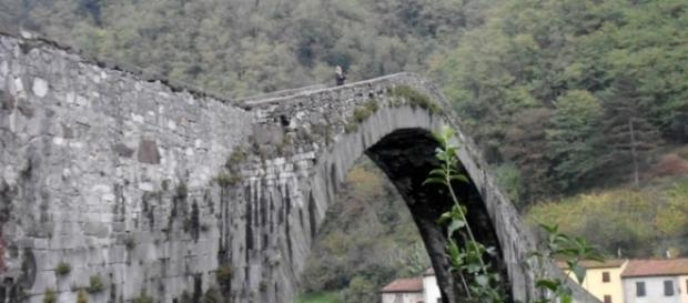 Il 'Ponte del Diavolo' a Borgo a Mozzano (Lucca).