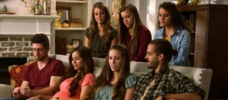 """Counting On"" stars reveal strict dating policy enforced by dad Jim Bob Duggar. (Photo Credit: TLC)"