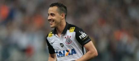 Rodriguinho, 26 anos, é titular absoluto no Corinthians