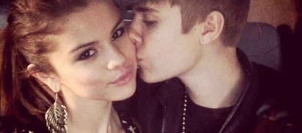 Selena estaria profundamente triste, diz jornal