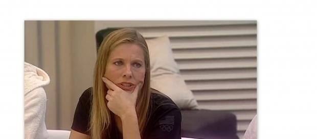 Laura Freddi sotto accusa al GF