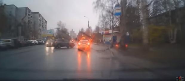 Mais um vídeo de acidentes de carro na Rússia