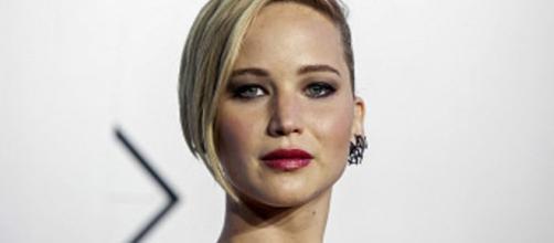 Apple confirma cómo fueron pirateadas las cuentas de Jennifer ... - bbc.com