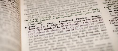 Dictionnaire - Focus - CC BY -