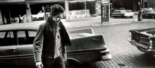 Fotografía de un joven Bob Dylan