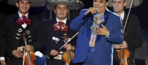 Su genialidad fue más allá de cantar sus canciones con mariachi