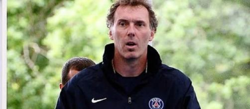 Último trabalho do treinador foi no PSG