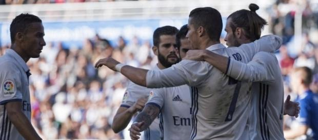 El Madrid gana en Vitoria al Alavés por 1-4
