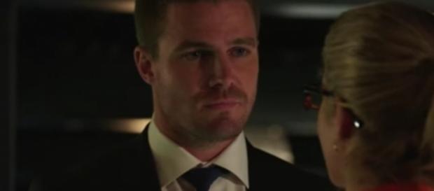 "Oliver Queen (Stephen Amell) in ""Arrow""/Photo via screencap, ""Arrow"""
