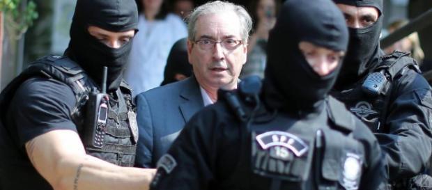 Planalto e aliados trabalham para conter 'risco Cunha' um dia após ... - elpais.com