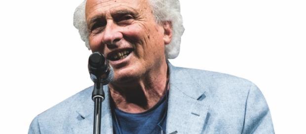 Stefano Benni intervista Cornelius Noon, autore del libro Pluricracy