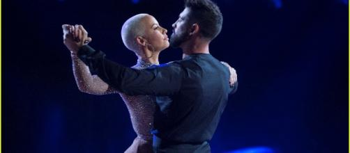 """Dancing with the Stars"" has Amber Rose feeling a bit picked on with a recent comment! Photo: Blasting News Library - justjared.com"