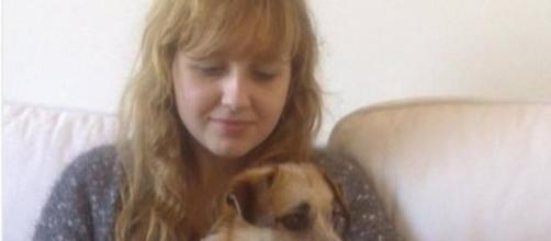 Émilie, de 17 anos, suicidou-se após anos de bullying. Seu drama foi registrado num diário que teve trechos divulgados pela imprensa francesa.