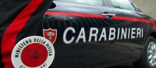 I Carabinieri sono a caccia dei malviventi.