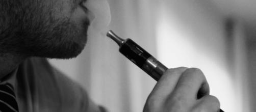 Nicotine helps lose weight, slow ageing. TBEC Review Wikimedia. Image Credit via Vaping360.
