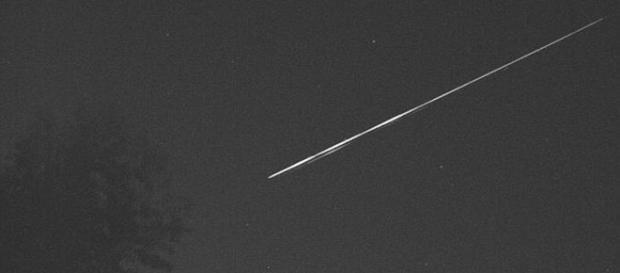 A suspeita é que o objeto possa ser um satélite da NASA (UK Meteor Network)