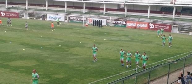 Flu volta aos treinos e, na quarta, encara o Santos pelo Brasileirão (Foto: Fred Huber/Globoesporte)