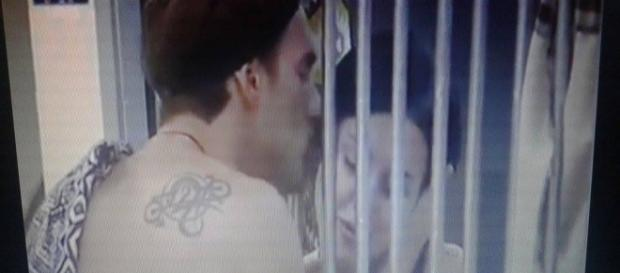 Il bacio di Andrea Damante ad Asia Nuccetelli