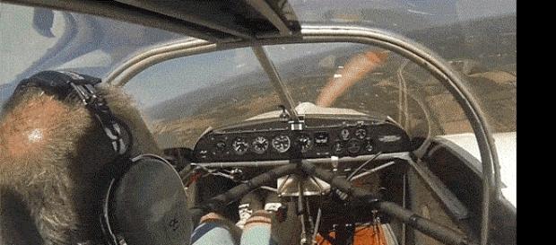 Imagem do piloto que teria perdido uma das hélices em pleno voo