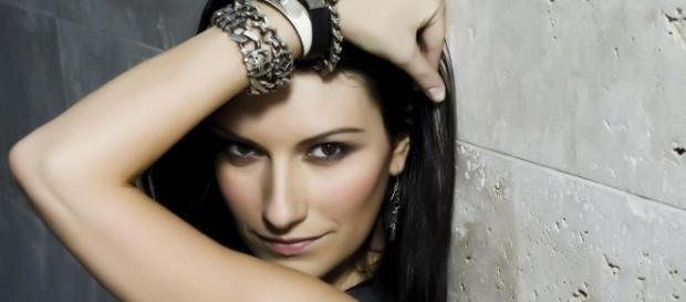 Laura Pausini costretta ad un riposo di qualche mese.