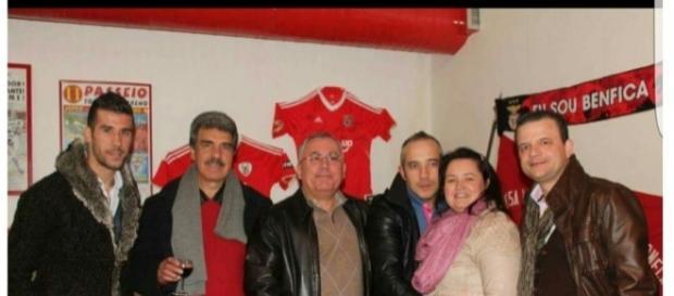 Luis Aurelio, à esquerda na imagem.