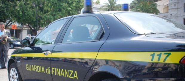 Operazione anti-assenteismo della Guardia di Finanza: 59 dipendenti comunali indagati.