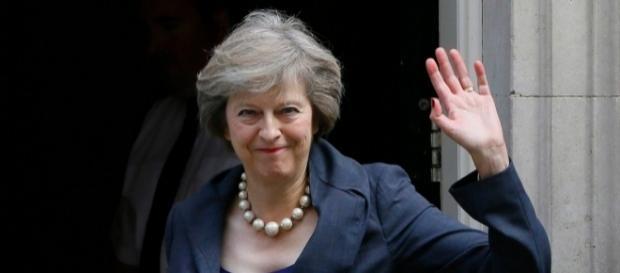 Theresa May annuncia l'inizio delle trattative per l'uscita dall Europa entro Marzo 2017