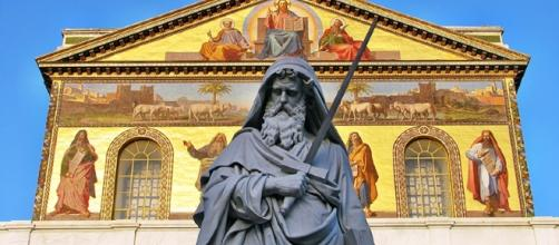 La Basilica San Paolo fuori le mura a Roma danneggiata dalla scossa.