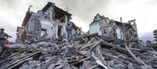 Terremoto devasta il centro Italia: nessuna vittima.
