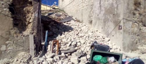 Terremoto, forte scossa: crolla parte del campanile di ... - perugiatoday.it