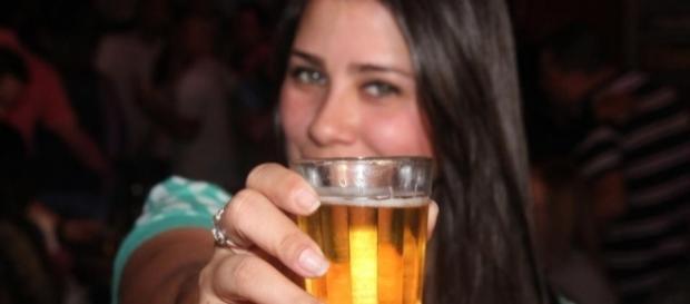As mulheres têm bebido mais do que os homens