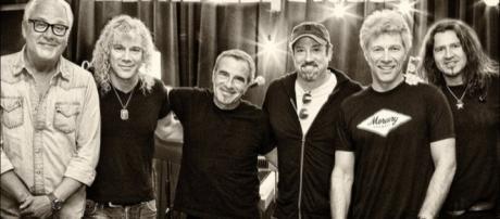 David Bryan | Bon Jovi Updates - Official Twitter/Bon Jovi