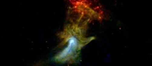 'Mão de Deus': nuvem formada pelas partículas liberadas por uma explosão estelar