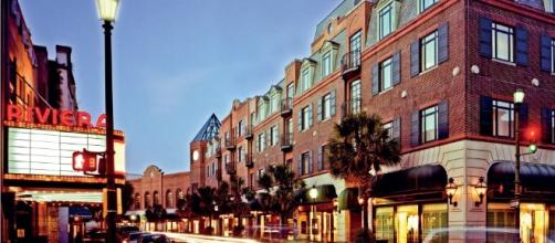 Charleston, SC Travel Guide - The Best of Charleston - townandcountrymag.com